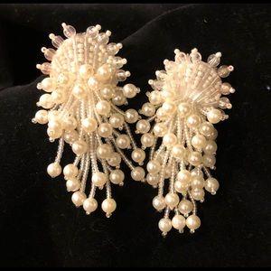 Beaded offwhite seed bead & pearl pierced earrings